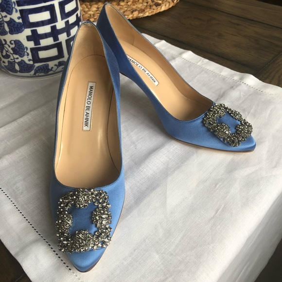6a9041bbe20 Authentic Manolo Blahnik Hangisi Pointy Toe Pump. M 5aa7603b2ae12fc06a113171